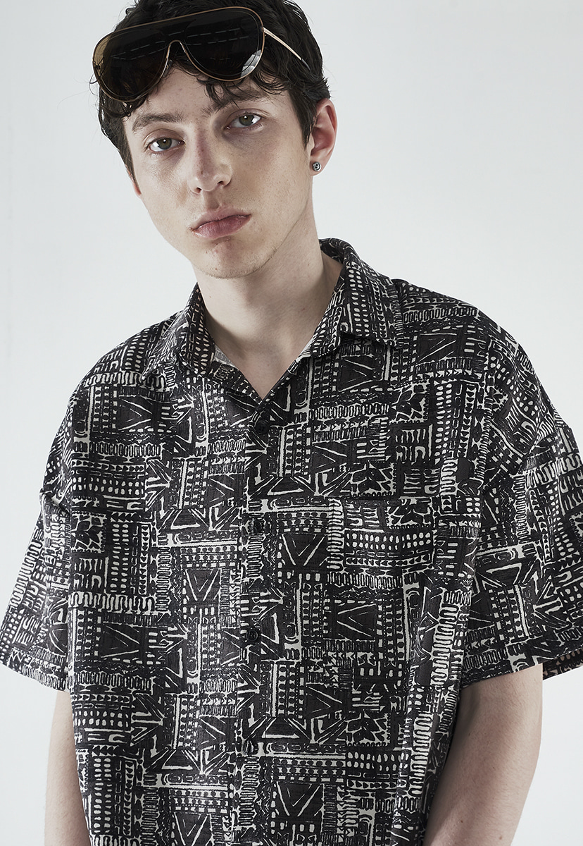 [크럼프] Crump drawing pattern half shirt (CS0037)