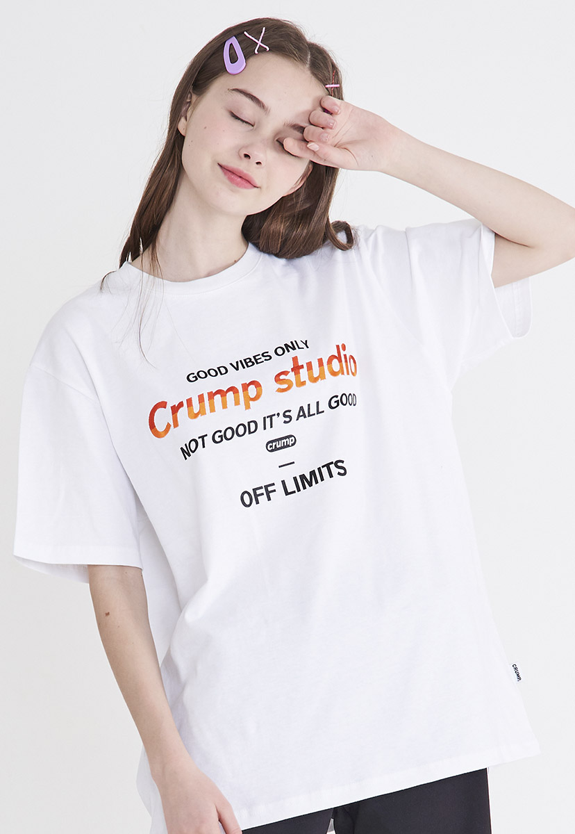 [크럼프] [자수] Crump studio color logo t-shirt (CT0208-3)